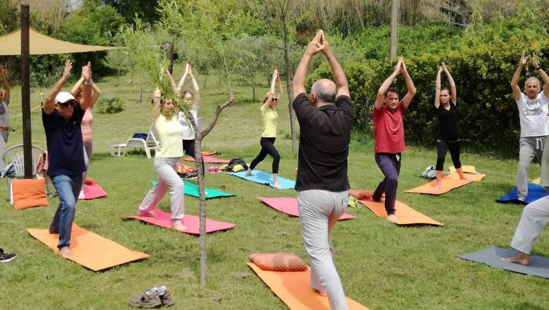 Come si svolge una lezione di yoga